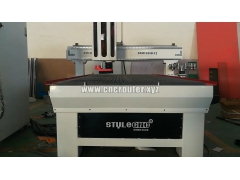 CNC router with ATC automatic tool changer system