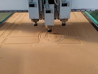 Low cost ATC CNC router with three spindles working video
