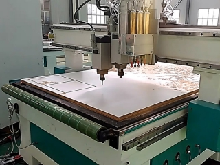 Automatic nesting CNC router for wooden furniture production