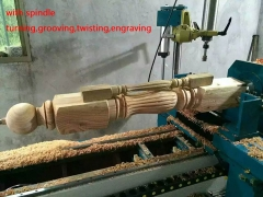 Column wood samples made by CNC lathe machine with spindle