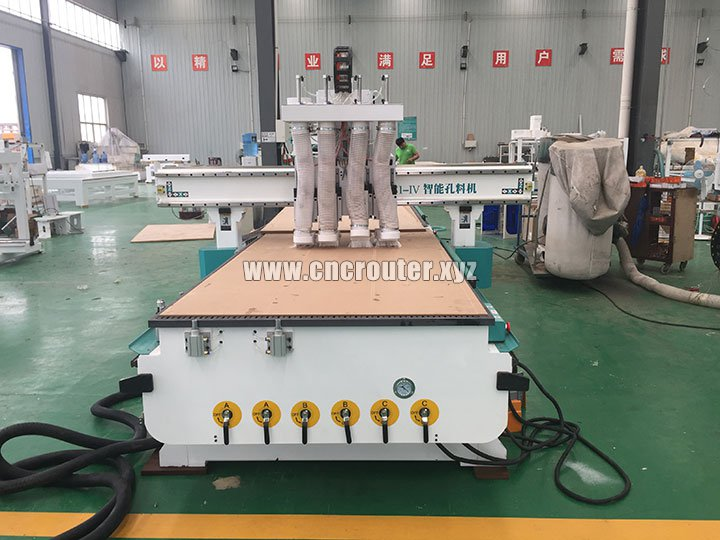 4 heads CNC wood cutting machine